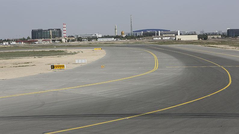 Bakı Aeroportunda ağır tipli (400 ton və yuxarı olan) təyyarələr üçün perronun və sükan yollarının tikintisi